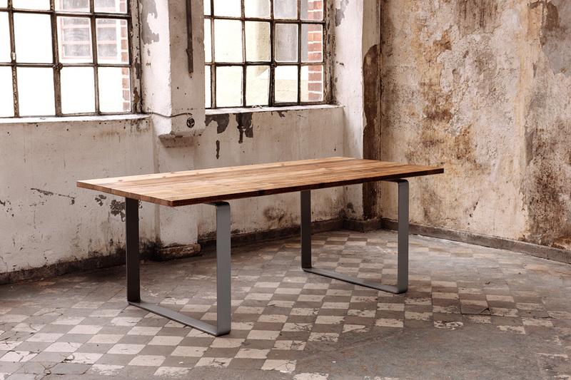 Vielseitig Einsetzbarer Der O Tisch Aus Bauholz Und Stahl Von Jan